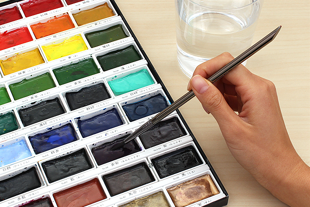 Prepare the paint by adding water.